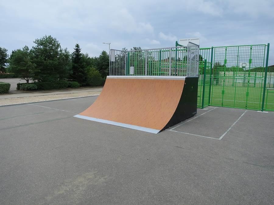 Skatepark de Saint-Denis-les-Bourg (01)